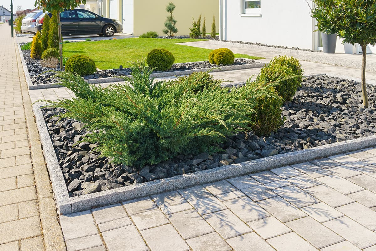 armstone - How to Choose the Right Garden Edges for Your Outdoor Space