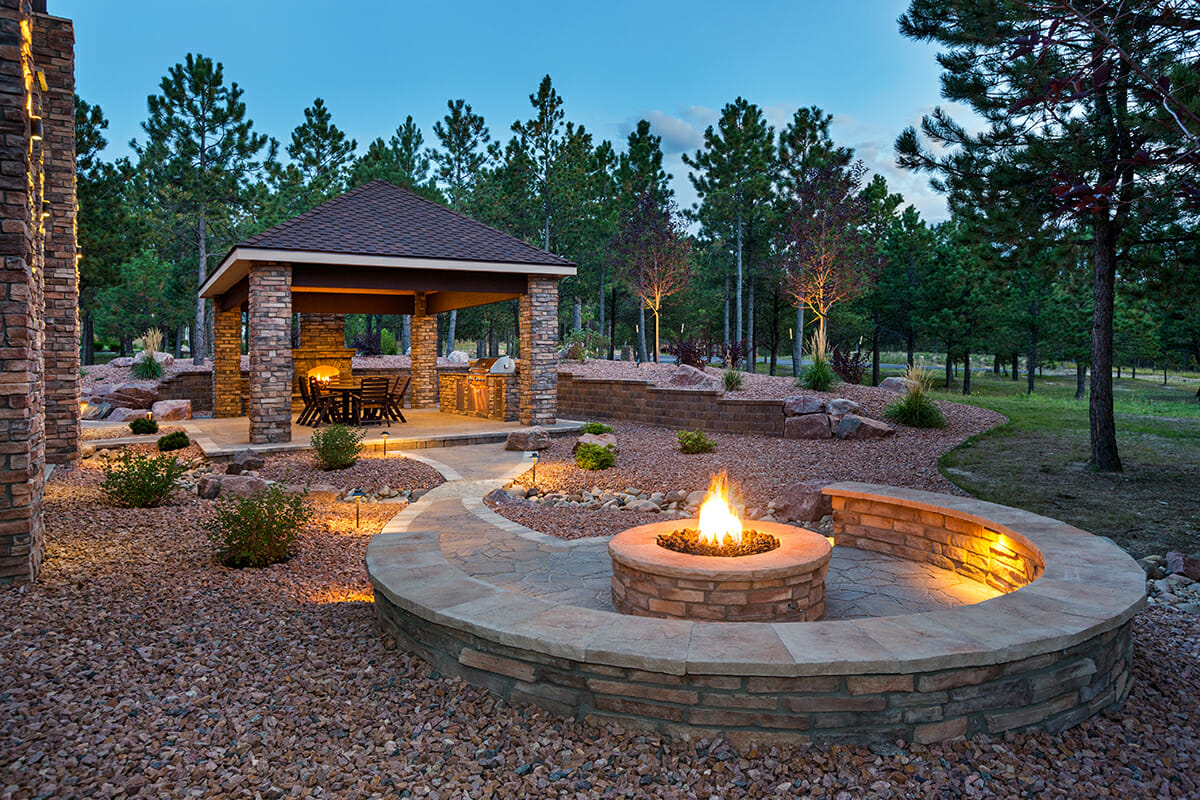 Armstone - Backyard Stone Fire Pit