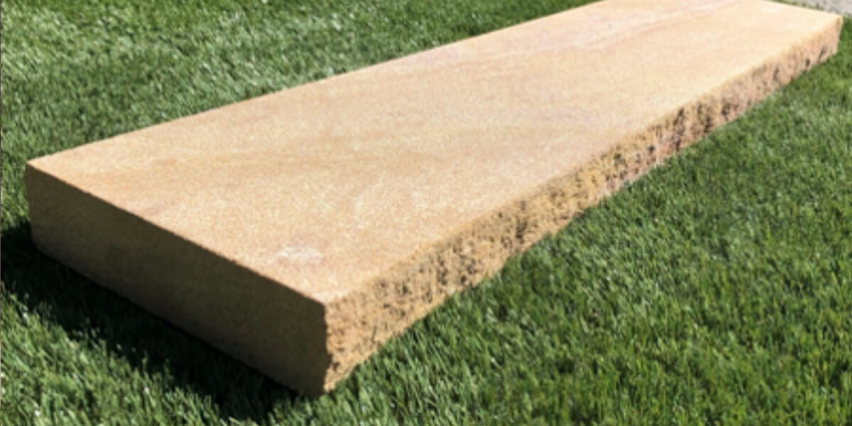 Split edge sandstone capping